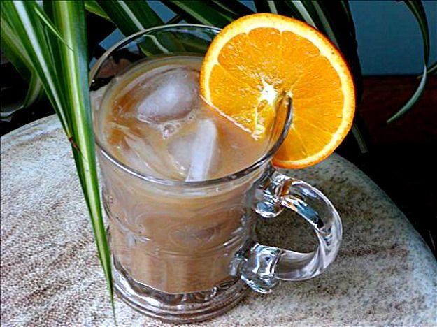 Кофейный коктейль с фруктовым соком