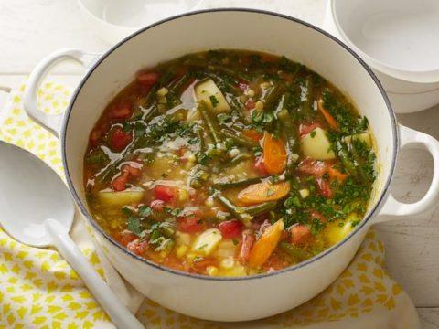 Летний суп из баранины со стручковой фасолью