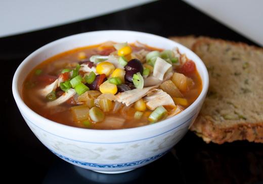 Мексиканский куриный суп в горшочке