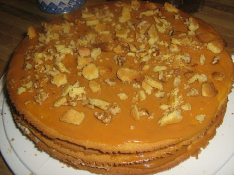 Песочный торт с вареной сгущенкой