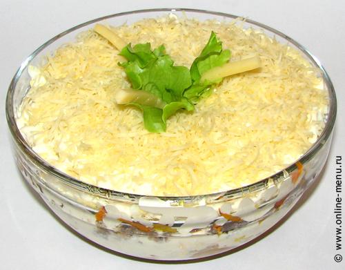Рыбный салат с грибами