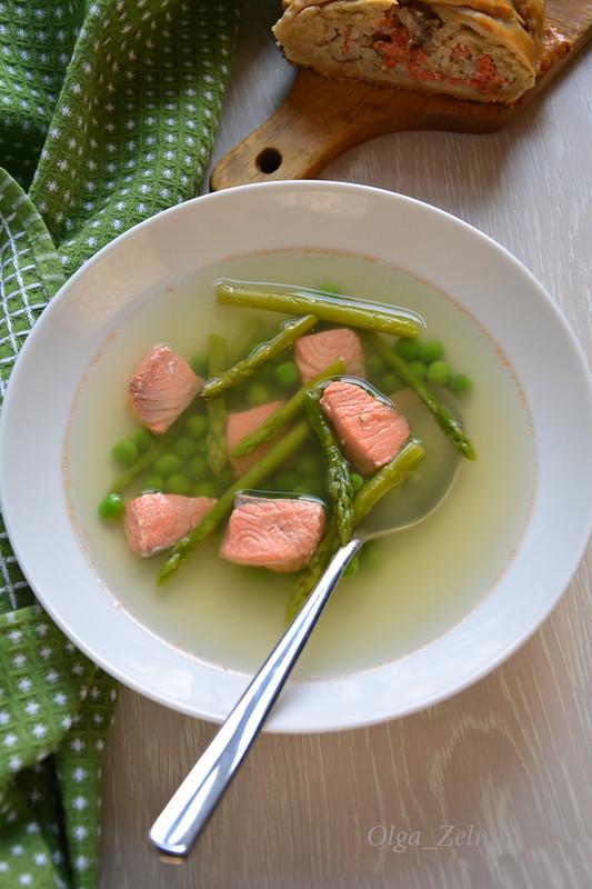 Рыбный суп со спаржей