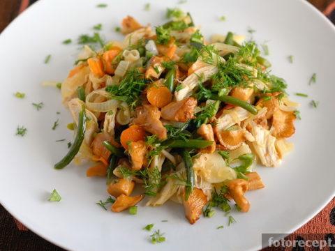 Салат из лисичек