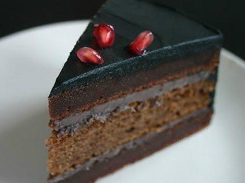 Шоколадный торт с ромом