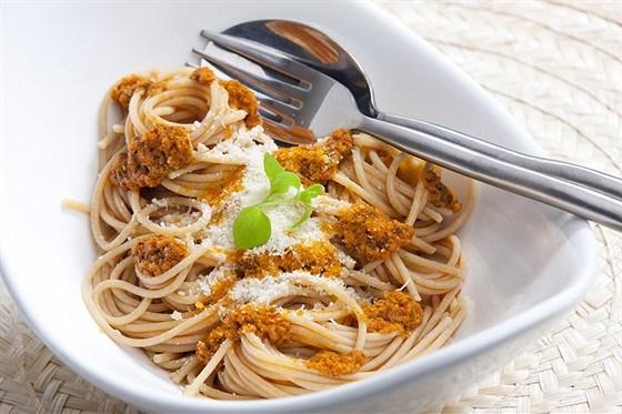 Спагетти с анчоусами и тунцом