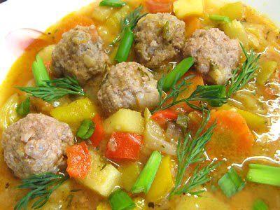 Суп с фрикадельками и кабачками