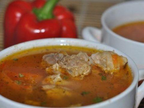Суп со свиной рулькой