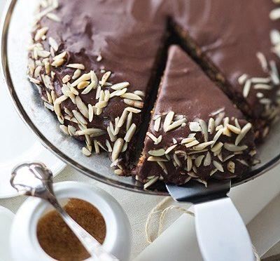 Торт миндальный с шоколадным кремом
