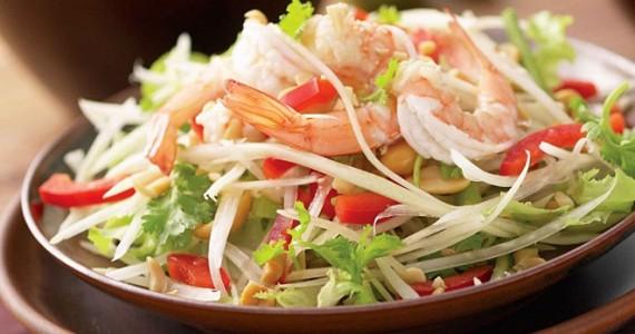Зеленый салат с папайей