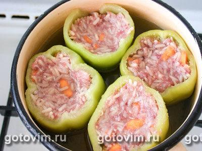 Перец, фаршированный мясом и орехами