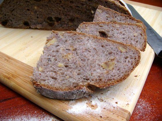 Хлеб многозерновой с изюмом