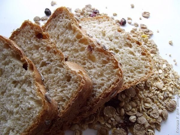 Хлеб многозерновой с семенами подсолнечника