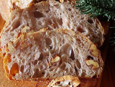 Хлеб пшеничный с грецкими орехами