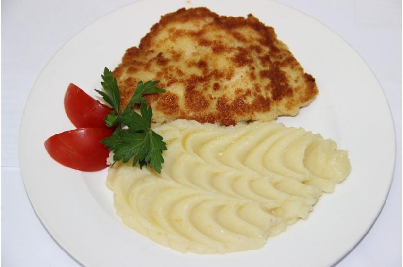 Хлеб пшеничный с картофельным пюре и помидорами