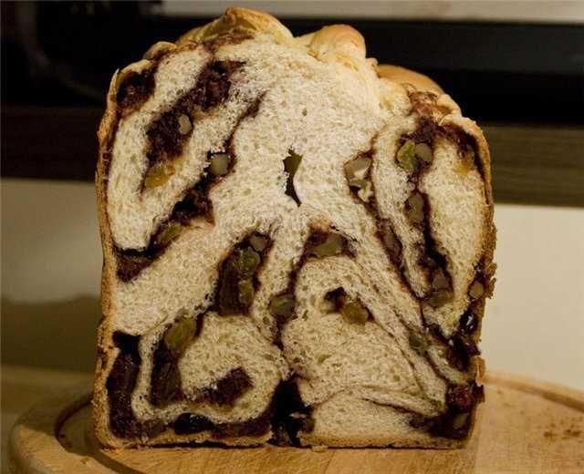 Хлеб пшеничный с курагой и корицей
