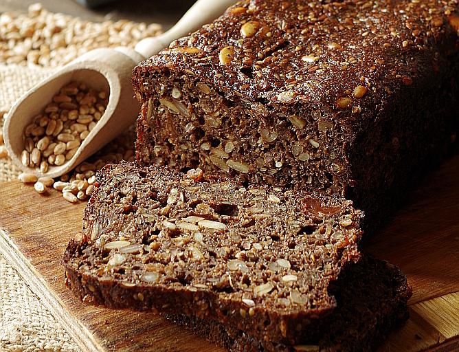 Хлеб ржаной с семенами подсолнечника