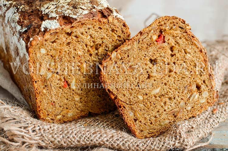 Хлеб ржаной с семенами подсолнечника и сладким перцем