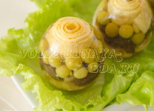 Хлебцы с яйцами и зеленью укропа