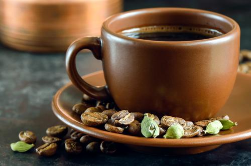 Охлаждённый кофе с кардамоном