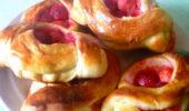 Пирожки с клубникой сухие открытые