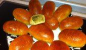 Пирожки с мясом, картофелем и грибами