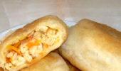 Пирожки с рисом, яйцами и морковью