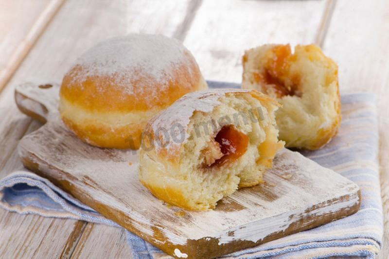 Пончики жареные с джемом
