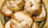 Пончики жареные с ягодами