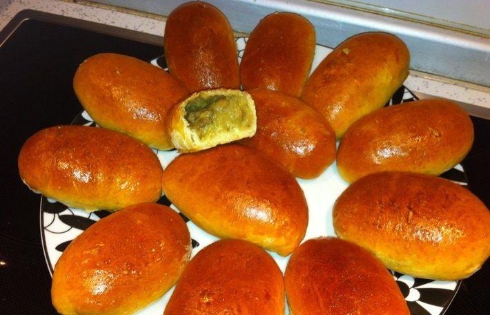 Расстегаи с картофелем и грибами