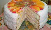 Торт бисквитный фруктовый